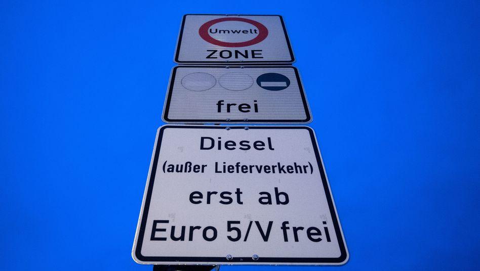 Ordnungsbehörden überprüfen nur selten aktiv Verstöße gegen Dieselfahrverbote. Zumeist prüfen sie dann, wenn andere Verkehrsregeln missachtet wurden