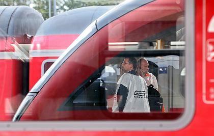 Kein Einlenken in Sicht: Die Lokführer fordern deutlich höhere Einkommen - und wehren sich gegen das Warnstreikverbot