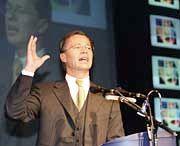 Ruft zum Gegenangriff: Bertelsmann-Chef Thomas Middelhoff