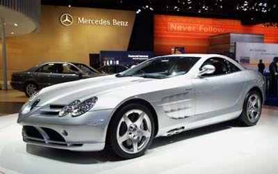 Aus dem automobilen Kraftraum: Der Mercedes SLR McLaren zieht noch immer alle Blicke auf sich. Dabei gewähren 617 PS keine allzu lange Aufmerksamkeitsdauer