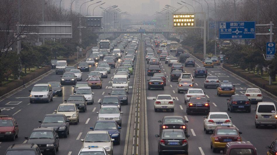Volle Straßen in Peking: Nirgends auf der Welt werden derzeit mehr neue Autos verkauft, als in China
