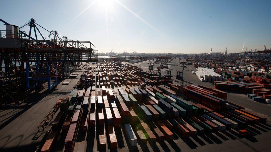 Container im Hamburger Hafen: Der Export zog im Mai gegenüber dem Vormonat um 4,3 Prozent an