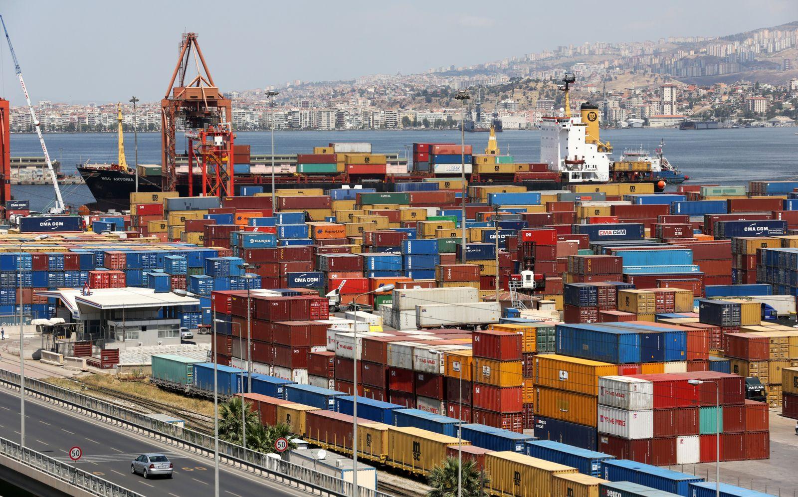 Türkei / Konjunktur / Export / Container im Hafen von Izmir / Zollunion