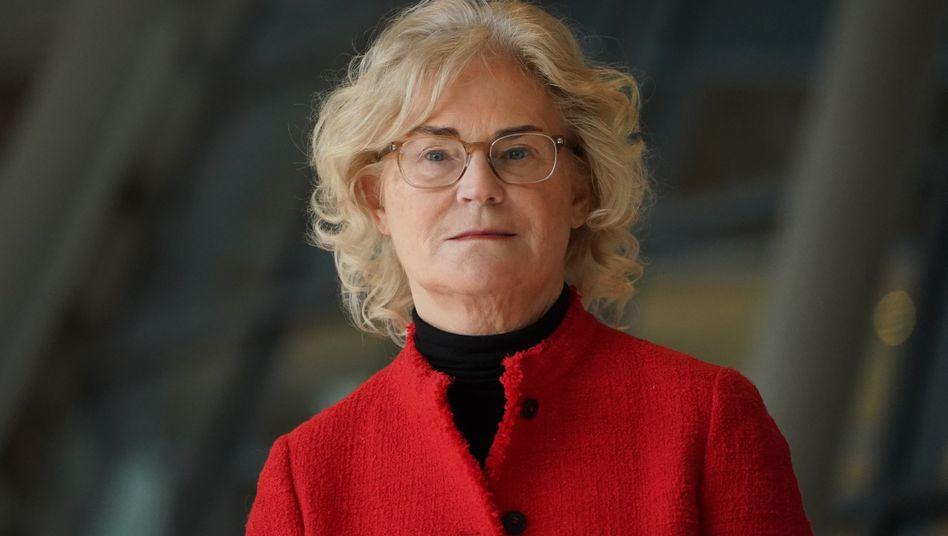 Extended Version: Bundesjustizministerin Christine Lambrecht will die Aussetzung der Insolvenzantragspflicht verlängern