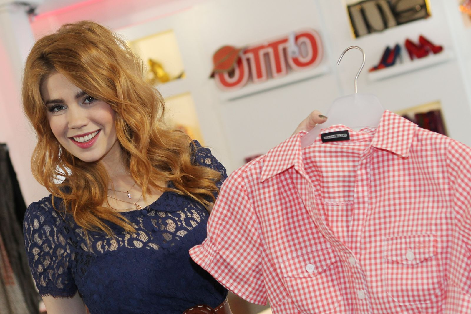 OTTO stellt neue Online-Presenterin vor