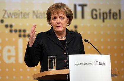 Merkel auf dem IT-Gipfel: Spitzentreffen von 500 Vertretern aus Politik, Wirtschaft und Wissenschaft