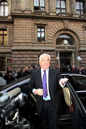 Anklage wegen Untreue in 44 Fällen: Peter Hartz vor dem Braunschweiger Landgericht
