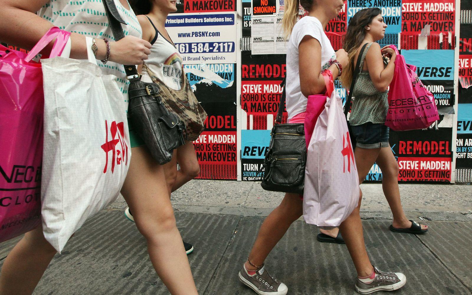 Konsum / Konjunktur / Einkaufen / Shoppers