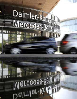 Smarte Pläne: Ein umfassende Kooperation mit Renault soll für Daimler-Chef Zetsche zum Befreiungsschlag werden
