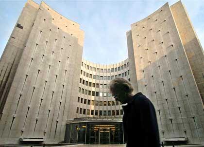 Dutzende von Cerberus-Beratern im Haus: Gerling-Zentrale in Köln