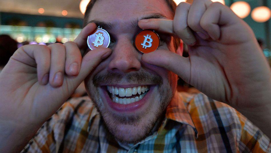 Blind im Bitcoin-Rausch: Die Hoffnung auf schnelle Gewinne lockt Anleger immer wieder in Digitalwährungen