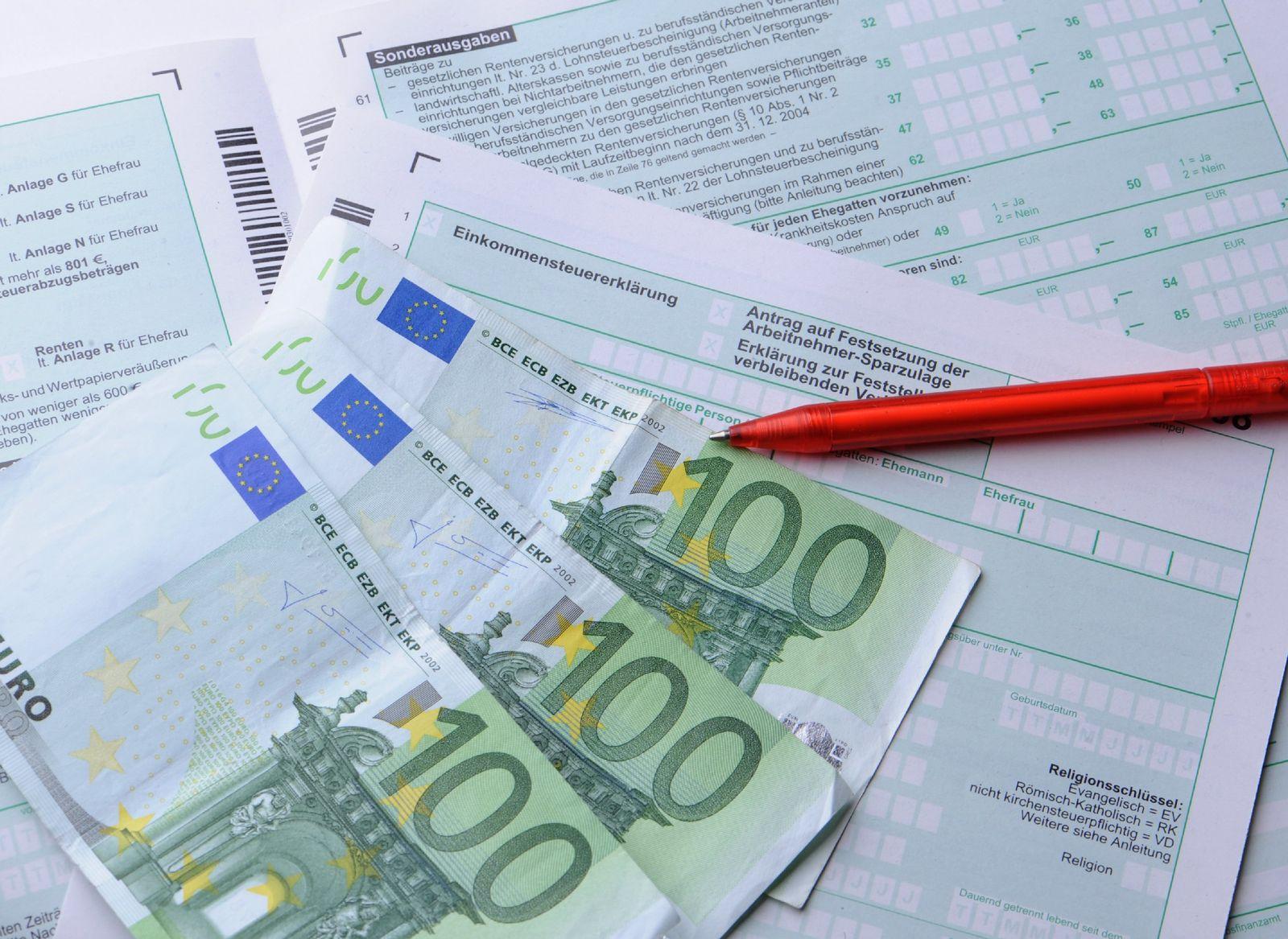 Steuererklärung / THEMA mmO: Die Steuerkolumne