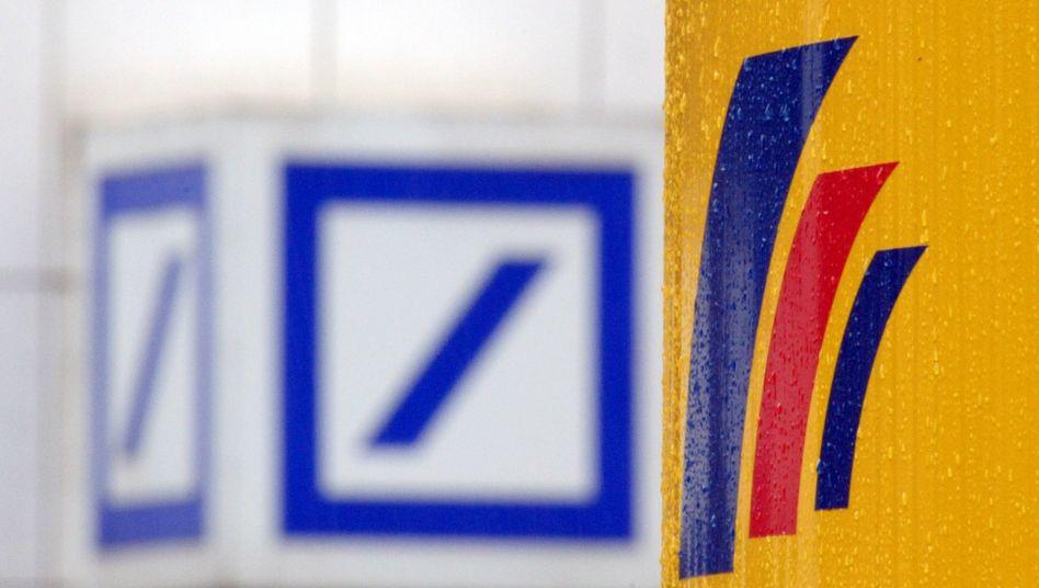 Logos von Deutscher und Postbank: Erst vereint, dann mühsam getrennt - und jetzt doch wieder nicht?