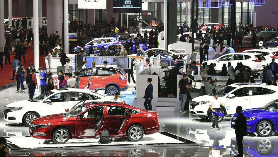 Weltgrößte Automesse in Shanghai (Archivbild von 2019): Experten rechnen für 2021 mit einem Wachstum des chinesischen Automarkts von mindestens 6 Prozent