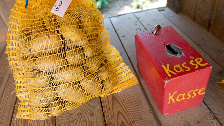So geht Crowdfunding: Ein Sack Kartoffeln, eine Kasse. Und fertig ist das Geschäftsmodell.