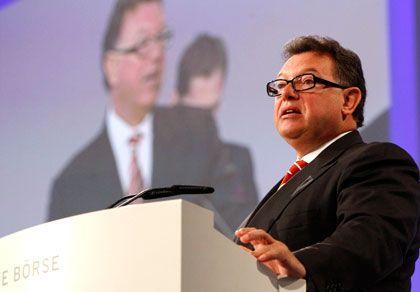 Vertragsverlängerung sorgt für Streit: Deutsche-Börse-Chef Francioni