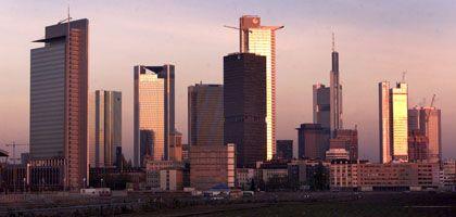 Linksfraktion will private Banken begraben: Große Geldhäuser sollen verstaatlicht werden, fordert Fraktionschef Gysi