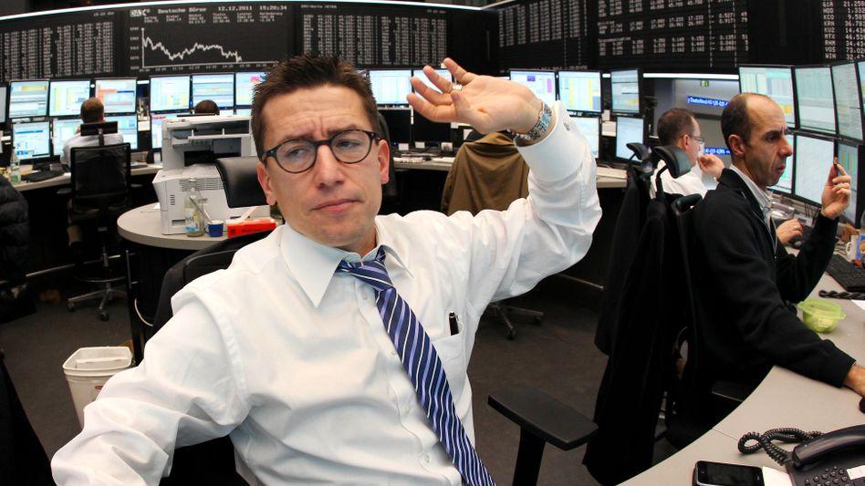 Aktienhändler an der Frankfurter Börse: Leichte Entspannung