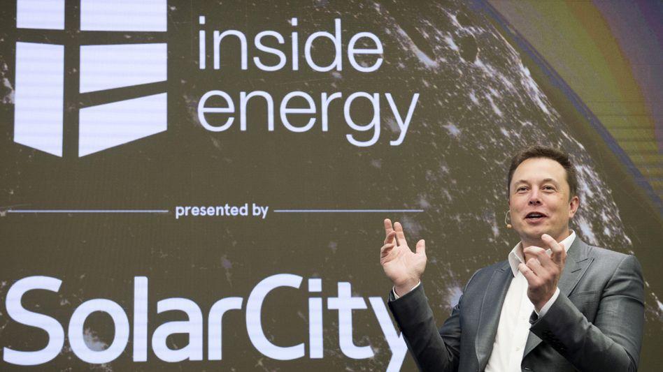 Elon Musk: Der Tesla-Chef hat große Pläne - und versichert sich dazu deutscher Ingenieurskunst, genauer, von Grohmann Engineering