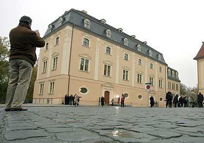 Blick auf die Anna Amalia Bibliothek: Rund 12,8 Millionen Euro sind seit der verheerenden Brandnacht am 2. September 2004 in die Sanierung des Stammhauses geflossen. Die Kosten für Wiederbeschaffung und Restaurierung der historischen Bücher werden auf 67 Millionen Euro geschätzt.