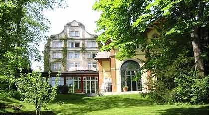 Malerisch: Das Institut auf dem Rosenberg in St. Gallen