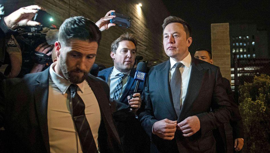 Ein Chef zum Fürchten: Elon Musknach einem Termin in Los Angeles. Musk ist unerbittlich gegenüber Mitarbeitern, feuert selbst langjährige Vertraute blitzschnell. Sie fürchten ihn. Und verehren ihn trotzdem.