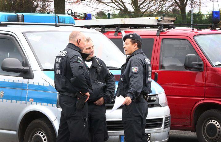 Polizei-Einsatz in Alsdorf bei Aachen: Drei Verdächtige festgenommen