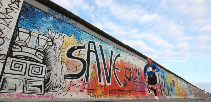 Relikt der Teilung: Die Mauer lässt sich in Berlin auch erradeln