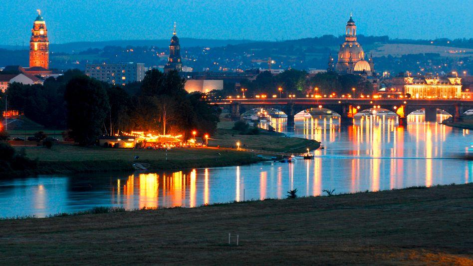 Blick über Dresden: Bundesregierung will zusätzliche Forschungsförderung in Ostdeutschland