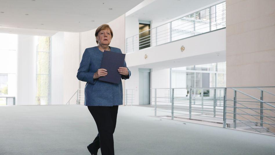 Präsenzkultur: Bundeskanzlerin Angela Merkel im Büro