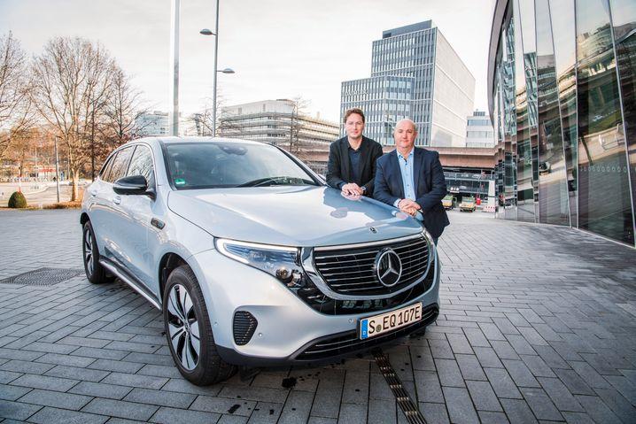 Will die Transformation mitgestalten:BetriebsratsbossMichael Brecht(r.) mit Daimler-ChefOla Källenius
