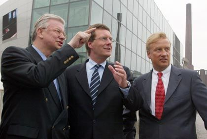 Zittern vor der Wahl: Den CDU-Ministerpräsidenten Koch (l.) und Wulff sowie Bürgermeister von Beust drohen Stimmenverluste