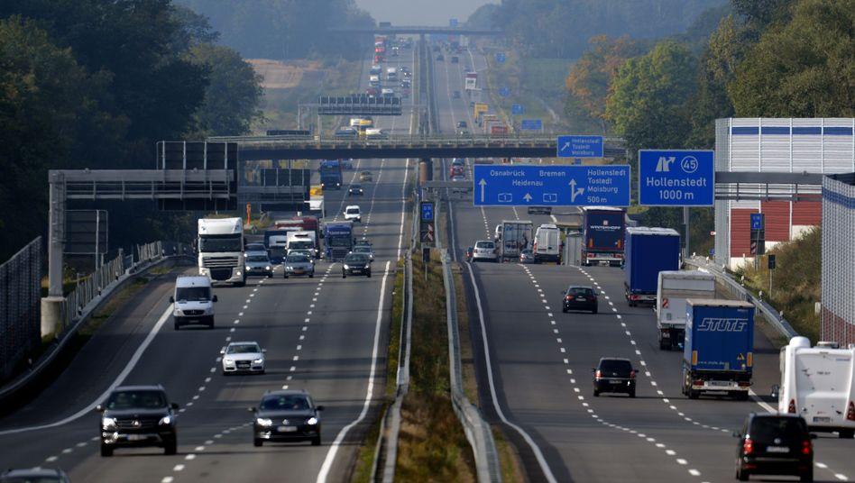 Fahrfreuden: Deutsche Hersteller verteidigen einen Marktanteil von rund 65 Prozent. Jedes fünfte in Deutschland neu zugelassene Auto kam im Jahr 2012 vom Wolfsburger VW-Konzern. Unter den Importeuren legt Hyundai zu