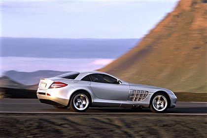 Mercedes SLR Leistung: 460 kW/626 PS Spitze: 334 km/h Beschleunigung: 3,8 Sekunden von 0 auf 100 km/h