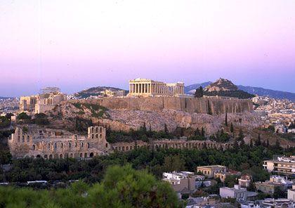Akropolis: Es ist diese politökonomische Dynamik, die in der Geschichte immer wieder zu Staatspleiten geführt hat