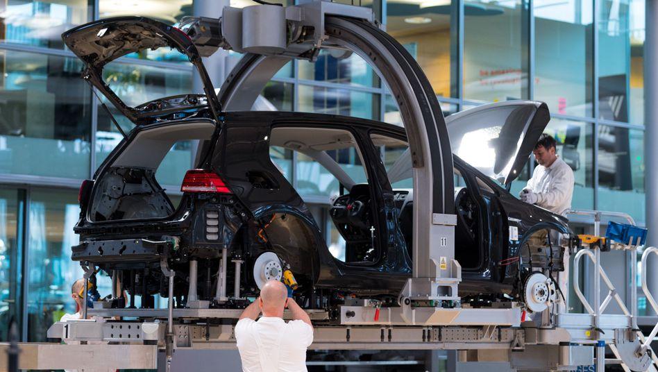 Volkswagen-Mitarbeiter in Dresden: Die Arbeitsplätze sollen beim altersbedingten Ausscheiden von Mitarbeitern nicht neu besetzt werden