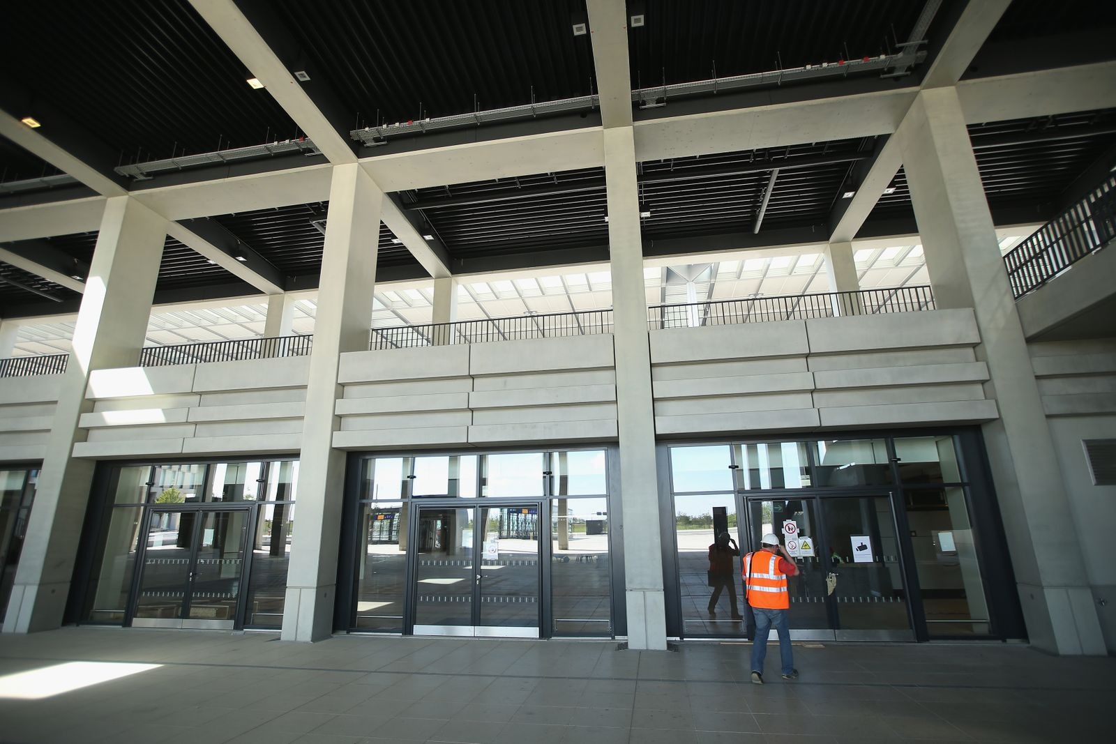 BER / Flughafen / Türen / Eingang