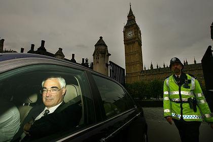 Hilfen im Tausch gegen Kontrolle: Der britische Finanzminister Alistair Darling
