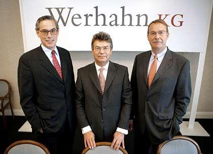 Täuschende Harmonie: Werhahn-Chef Wiemers (M.) wurde jüngst abgelöst, Anton Werhahn (l.) zum neuen Chef ernannt. Michael Werhahn (r.) ist weiter Vorstandsmitglied.