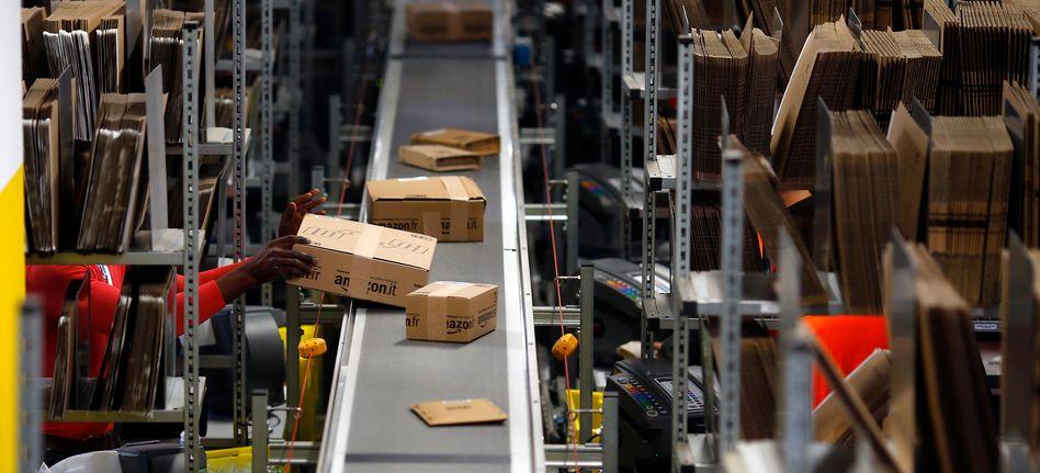Amazon-Logistikzentrum bei Augsburg (Archivaufnahme)