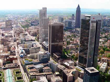 Frankfurter Finanzviertel: Die Banken haben noch nicht alle Belastungen offengelegt