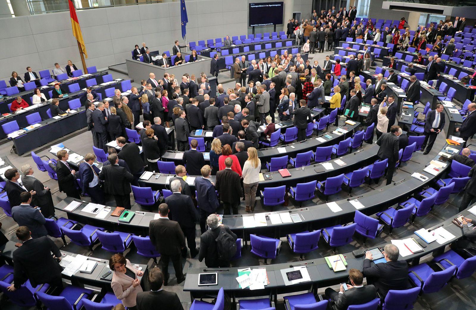 Bundestag/ Plenarsitzung/ Diäten