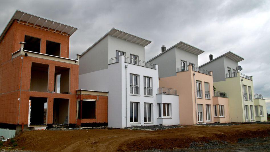Reihenhäuser in Frankfurt: Der steigende Eigenkapitaleinsatz von Immobilienkäufern wird zum Risiko