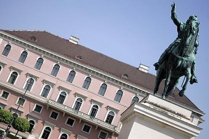 Schieflage: Siemens-Topmanager in der Konzernzentrale haben derzeit mit mehreren Affären zu kämpfen
