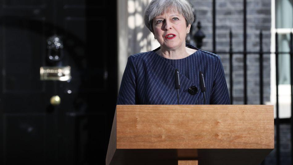 """Theresa May vor Downing Street 10: """"Vom Brexit gibt es kein Zurück"""""""
