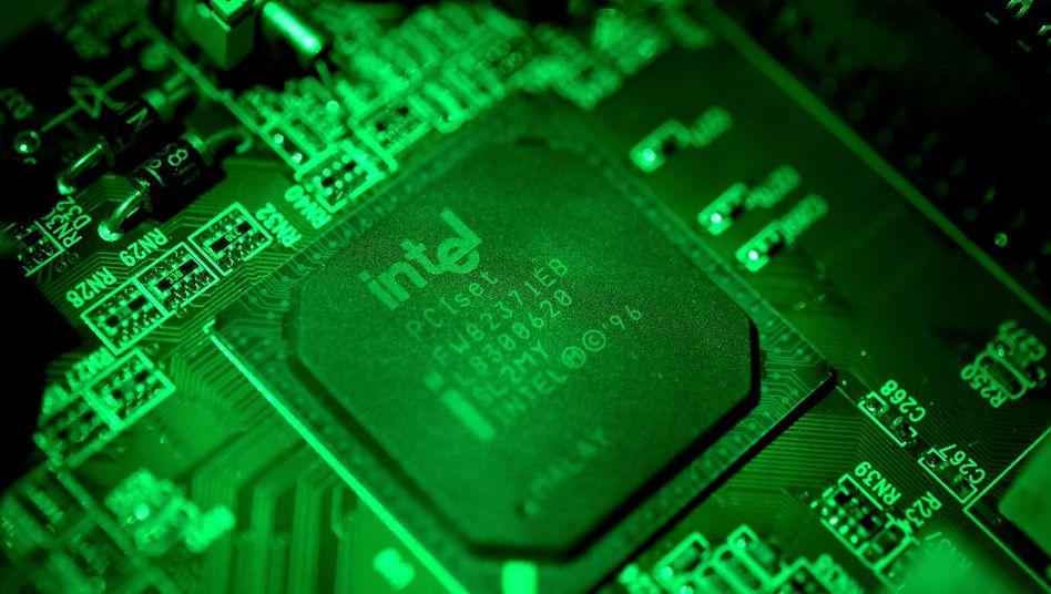 Kleine Kraftwerke: Computerchips werden immer leistungsfähiger, doch die Produktion der immer kleineren Bauteile macht Intel zu schaffen