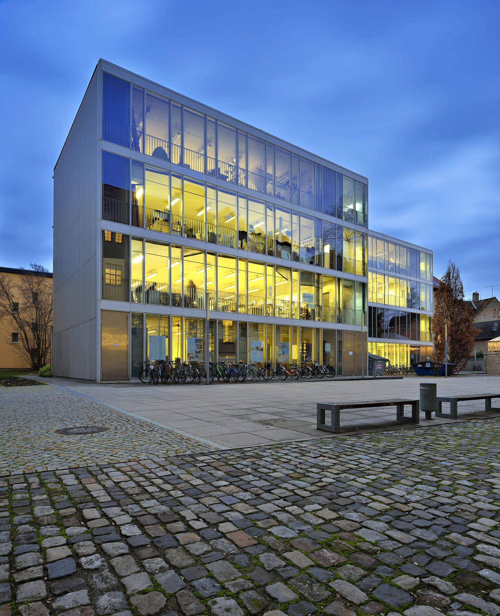 Bauhaus Universität Weimar Glaskuben Dämmerung Weimar Thüringen Deutschland Europa *** Bauhaus
