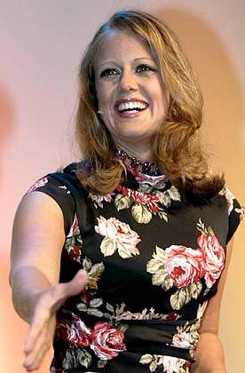 Barbara Schöneberger, 30: Die Moderatorin schleppte sich durch stolze zehn Semester Soziologie in Augsburg, bevor sie Max Weber gegen Wimbledon tauschte und 1999 beim Sportsender DSF anheuerte