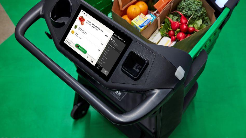 Dash Cart von Amazon: Der Scanner erfasst die Ware im Einkaufswagen, bezahlt wird über App und Kreditkarte