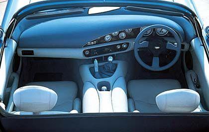 Blaue Blasen: Im Cockpit des TVR Chimaera überwiegen runde Instrumentenanzeigen